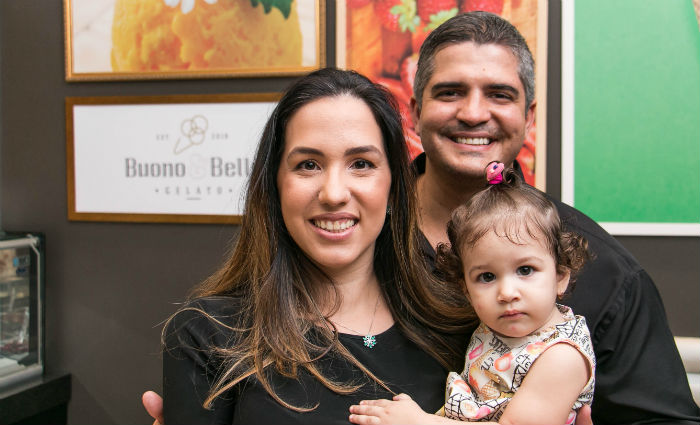 Renata e Victor comemoram o resultado positivo. Foto: Igor Labad/Divulgação