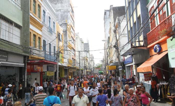 As lojas do comércio do Centro do Recife estarão abertas neste domingo, das 9h às 17h. Foto: Nando Chiappetta/DP