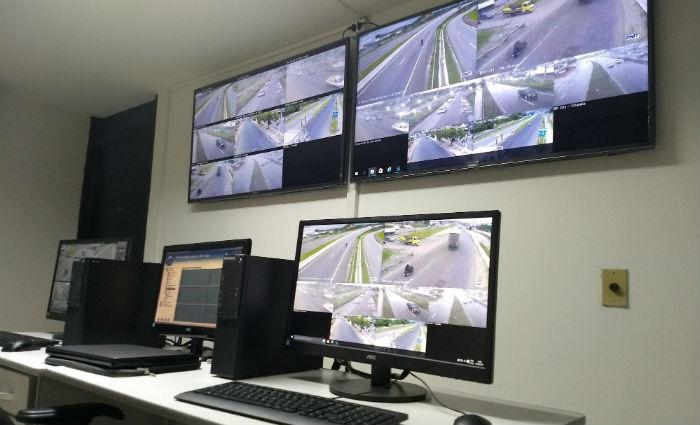 Semáforos inteligentes fazem o monitoramento automaticamente e em tempo real. Foto: Sinalvida/Divulgação