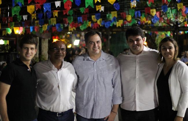 Autoridades prestigiaram o evento da Comunidade Obra de Maria - Foto: Samuel Calado/Esp.DP