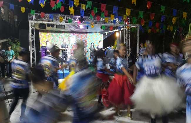 Quadrilhas animaram a noite do São João Solidário - Foto: Samuel Calado/Esp.DP