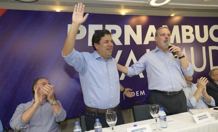 Mendonça Filho, à esquerda, acusou o governador de levar Pernambuco a perder o protagonismo. Leo Caldas/Divulgação