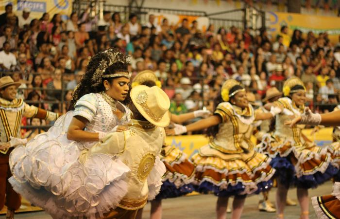 A última da noite foi a Junina Raio de Sol, do bairro de Águas Compridas, em Olinda. Foto: Samuel Calado/Esp.DP