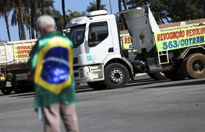 Empresas entram com ações na Justiça para derrubar o acordo fechado com os caminhoneiros, no fim de maio. Foto: Arquivo/Agência Brasil