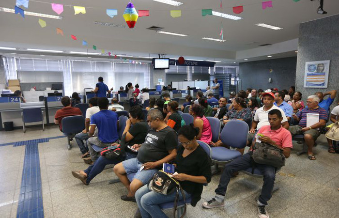 Cerca de 28,7 milhões de pessoas têm dinheiro em contas inativas do PIS/Pasep para resgatar. Foto: valter Campanato/Agência Brasil