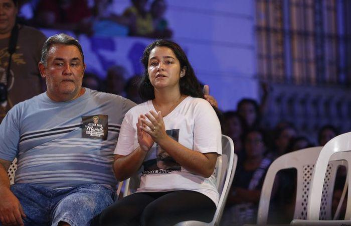 Ágatha Reis, viúva de Anderson Gomes, participa de homenagem ao motorista no centro do Rio de Janeiro. Foto: Fernando Frazão/Agência Brasil