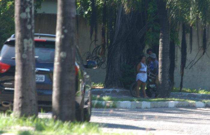 Mulheres, que costumam frequentar área às margens do rio Capibaribe, no Bairro de Santo Amaro, muitas vezes são agredidas pelos clientes. Foto: Arquivo DP