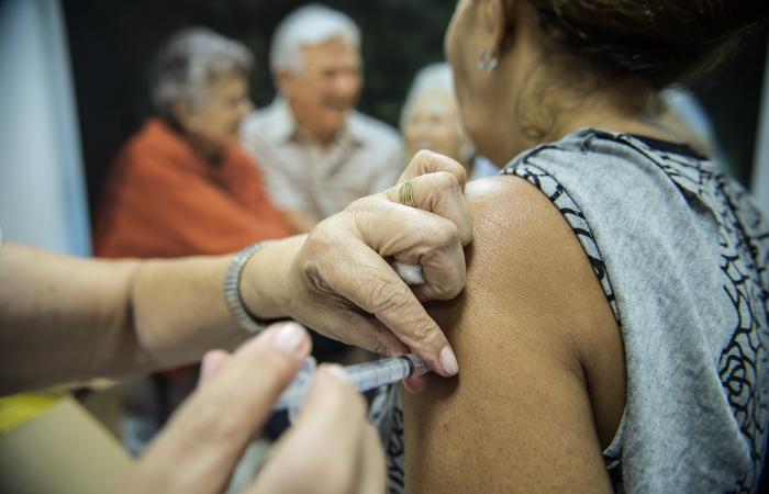 Pernambuco atingiu a meta mínima de vacinação, ante um público total de 2.399.361 pessoas. Foto: Marcelo Camargo/Agência Brasil