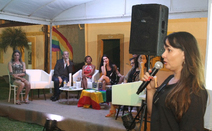 Lançamento do Manual de Comunicação LGBTI  incluiu palestra da repórter do DP especialista em direitos humanos, Marcionila Teixeira. Foto: Nando Chiappetta/DP (Lançamento do Manual de Comunicação LGBTI  incluiu palestra da repórter do DP especialista em direitos humanos, Marcionila Teixeira. Foto: Nando Chiappetta/DP)