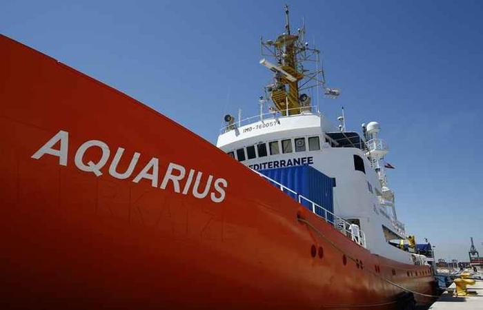 A Itália deixou à deriva há duas semanas o barco humanitário Aquarius com 629 migrantes no Mediterrâneo. Foto: PAU BARRENA/AFP Photo