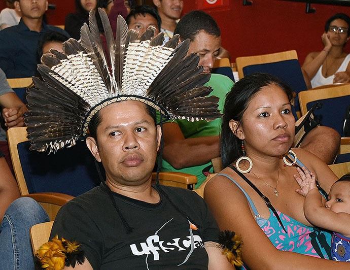 Unicamp agrega conhecimento da UFsCar que em onze vestibulares inclui indígenas na comunidade acadêmica. Foto: Ricardo Adorno-Unicamp/Divulgação (Unicamp agrega conhecimento da UFsCar que em onze vestibulares inclui indígenas na comunidade acadêmica. Foto: Ricardo Adorno-Unicamp/Divulgação)
