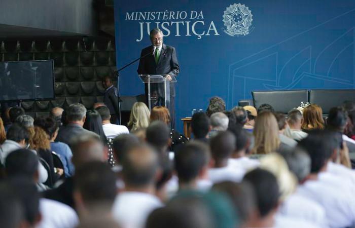 Torquato Jardim falou a uma plateia formada majoritariamente por dependentes químicos que fizeram ou ainda fazem tratamento em comunidades terapêuticas. Foto: Fábio Rodrigues Pozzebom/Agência Brasil