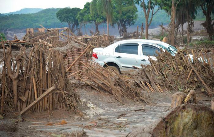 O rompimento da barragem de Fundão ocorreu em novembro de 2015. Foto: Antônio Cruz/Agência Brasil