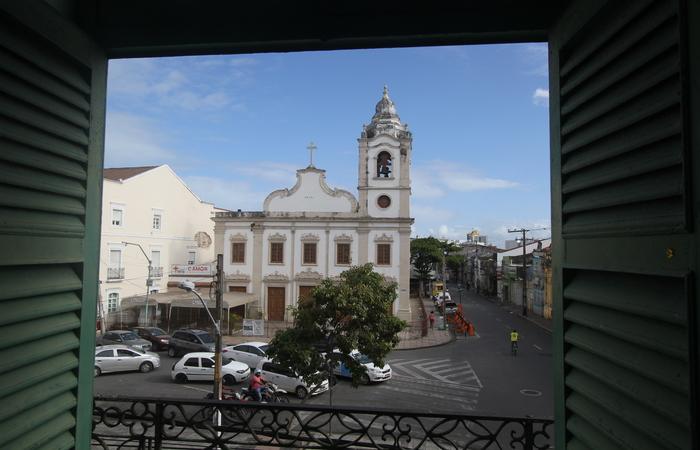 Argumentos da campanha para sensibilizar os 'amigos da Santa Cruz' a contribuírem para o restauro da igreja são devocionais e históricos. Foto: Nando Chiappetta/DP