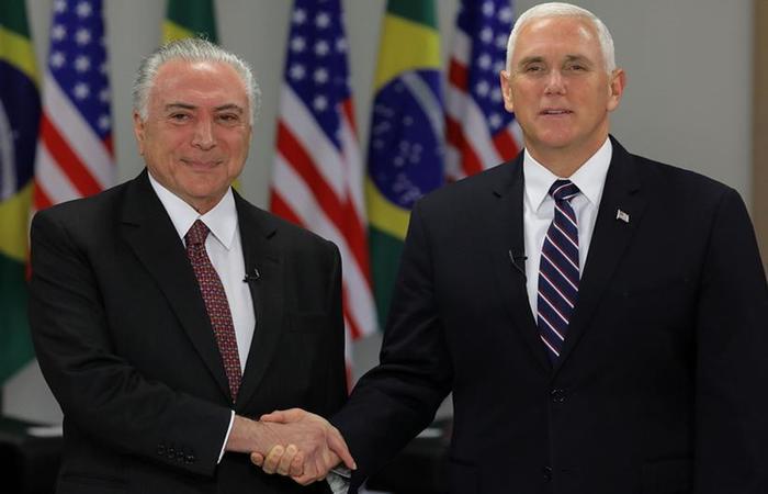 Michel Temer e o vice-presidente dos Estados Unidos Mike Pence em reunião nesta terça-feira (26/6) (foto: Sergio Lima/ AFP)