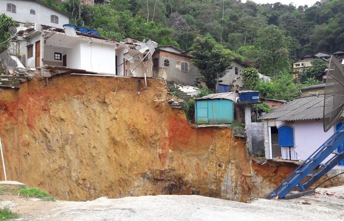 Estudo indicou ainda quantidade elevada de moradores em áreas de risco em alguns municípios que enfrentaram tragédias após impactos decorrentes de deslizamentos causados por tempestades. Foto: Divulgação/Prefeitura de Petrópolis/Agência Brasi