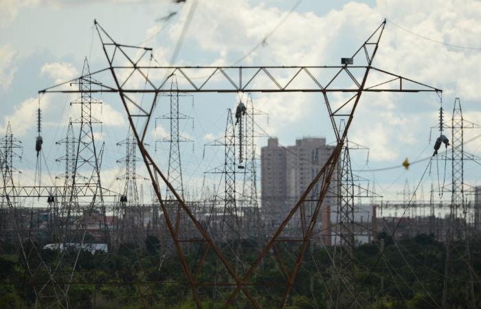 Foto: Leilão de linhas de transmissão da Aneel é retomado