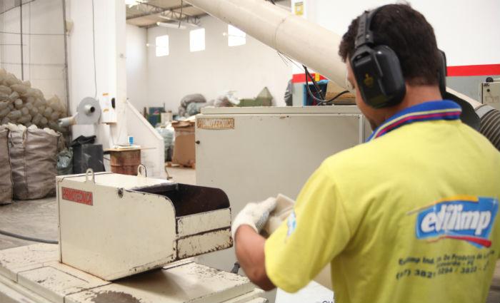 A planta produz linhas variadas e conta com 79 produtos, entre líquido e pastoso. Foto: Edilimp/Divulgação (Foto: Edilimp/Divulgação)