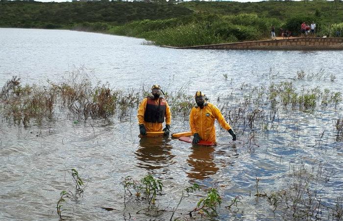 Bombeiros fizeram resgate na barragem. Foto: CBMPE/Divulgação