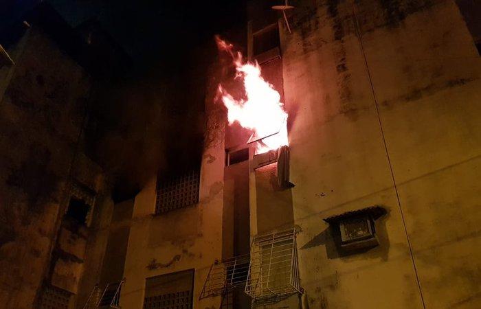 O Corpo de Bombeiros acionou a Defesa Civil de Olinda para avaliar a estrutura do imóvel. Foto: Reprodução/Corpo de Bombeiros