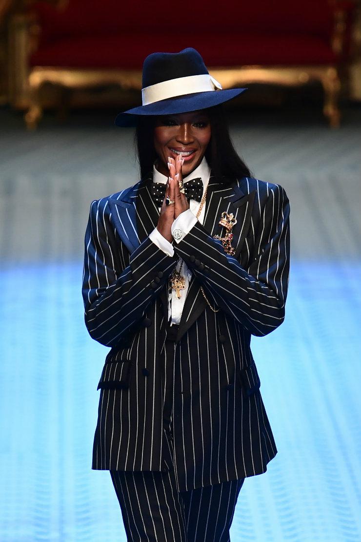 A atriz Monica Bellucci e a modelo Naomi Campbell, estrelas dos anos 1980, foram sensação neste ao desfilarem para a italiana Dolce&Gabbana. Foto: Miguel Medina/AFP