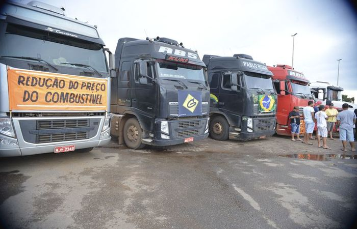 Sem acordo sobre tabela de fretes, caminhoneiros fizeram greve em maio desse ano. Foto: Agência Brasil