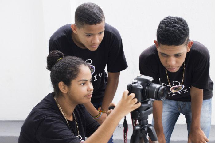 O evento vai divulgar as atividades desenvolvidas no projeto, que promove a inclusão sociodigital dos jovens através da comunicação, empreendedorismo e produção cultural. Foto: Divulgação