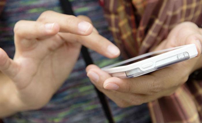 Smartphone é aliado e procura através dele cresceu 6% em relação a 2017. Foto: mdemulher.abril.com.br/Reprodução