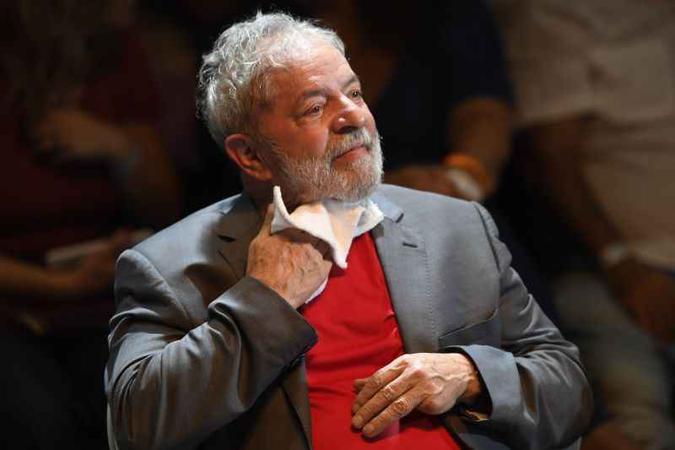 Mesmo que Lula seja liberado pelo STF, projeto eleitoral pode ser barrado pela Lei da Ficha Limpa (foto: Mauro Pimentel/AFP - 2/4/18)