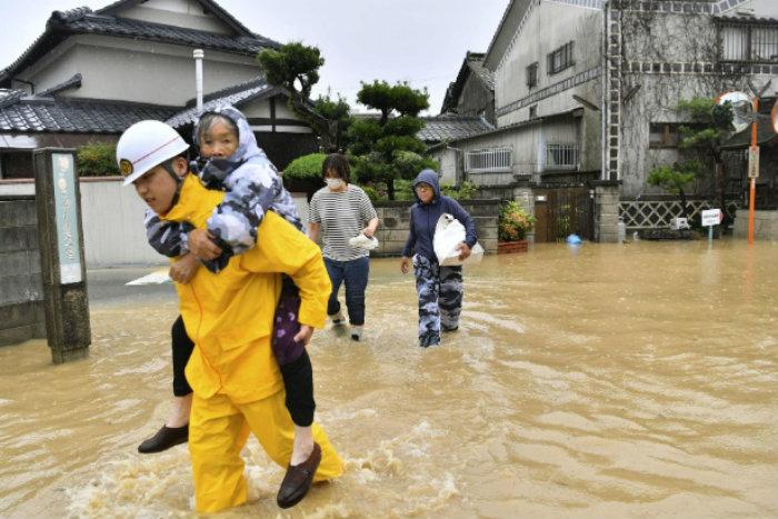 As províncias de Aishi e Okayama foram muito afetadas. Foto: Agência AP
