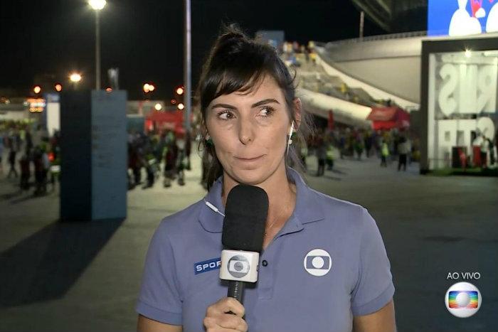 A repórter demonstrou tristeza com a eliminação e se colocou no lugar da mãe do atleta. Foto: Globo/Reprodução