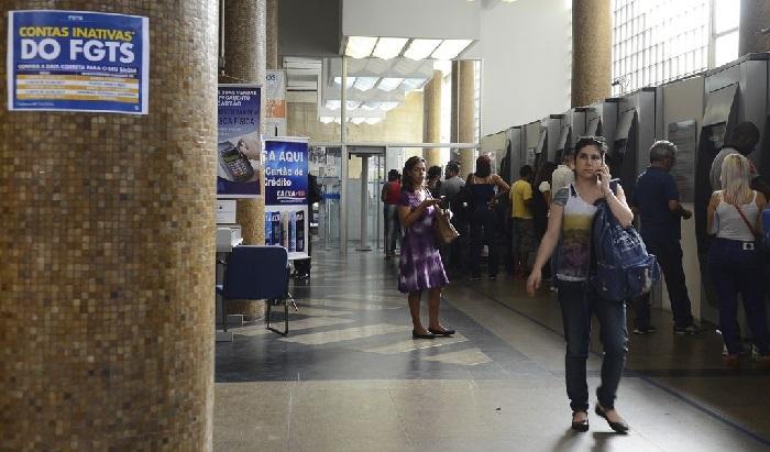 Tarifas da Caixa registraram maiores elevações em um ano, muito acima da inflação. Foto: Rovena Rosa/Agência Brasil (Dez/2017) (Tarifas da Caixa registraram maiores elevações em um ano, muito acima da inflação. Foto: Rovena Rosa/Agência Brasil (Dez/2017))