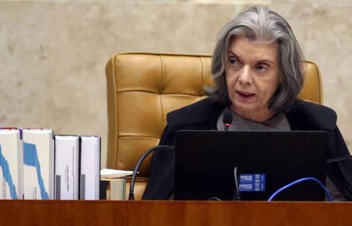 """Cármen Lúcia evitou expor o STF e se limitou a emitir nota: """"Justiça é impessoal"""" e """"democracia é segura"""" (foto: Antonio Cruz/Agencia Brasil )"""