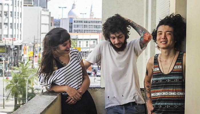 O trio é um dos mais elogiados no meio musical contemporâneo. Foto: Hannah Carvalho/Divulgação