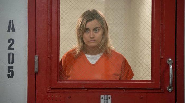 Taylor Schilling volta a encarnar Piper Chapman na sexta temporada de Orange Is The New Black. Foto: JoJo Whilden/Netflix