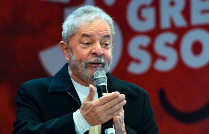 'Podem ter certeza, vou ser candidato para, entre outras coisas, recuperar a soberania do povo brasileiro', disse ex presidente por meio de nota. Foto: Agência Brasil