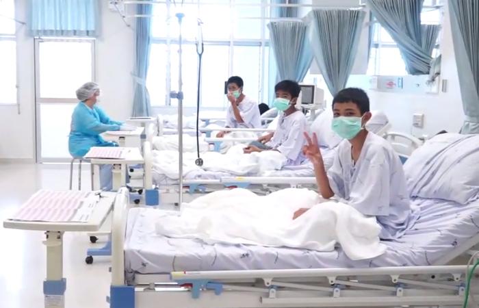 De acordo com o inspetor de saúde pública Thongchai Lertwilairratanapong, os 12 meninos e seu treinador 'cuidaram bem de si mesmos'. Foto: Handout / Thai government public relations department (PRD) / Government spokesman bureau / AFP