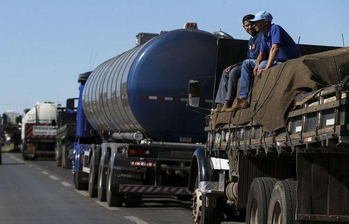 As quedas nas vendas de combustíveis (-6,1%) e de móveis e eletrodomésticos (-2,7%) puxaram a perda no varejo em maio ante abril. Foto: Arquivo/Agência Brasil