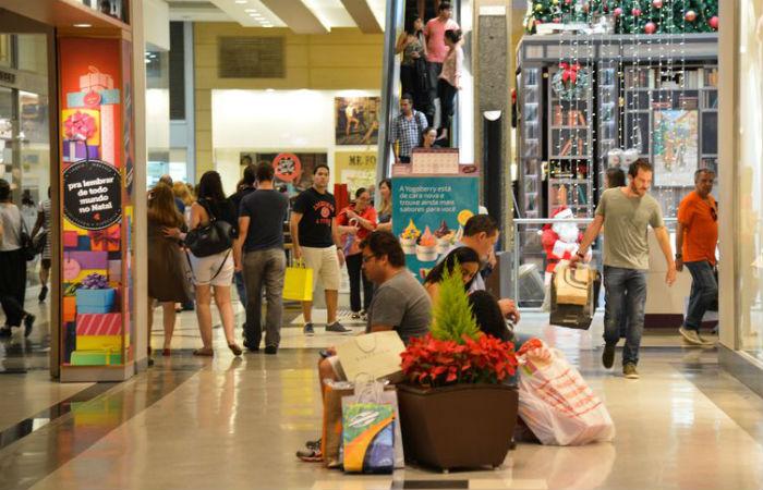 Comércio varejista nacional recuou 0,6% de abril para maio deste ano Foto: Valter Campanato/Agência Brasil