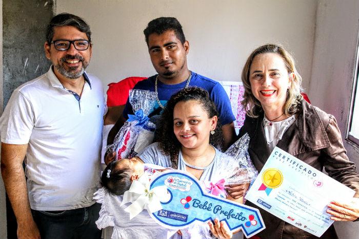 Título foi entregue aos pais de primeira viagem. Foto: Chico Bezerra/Divulgação.