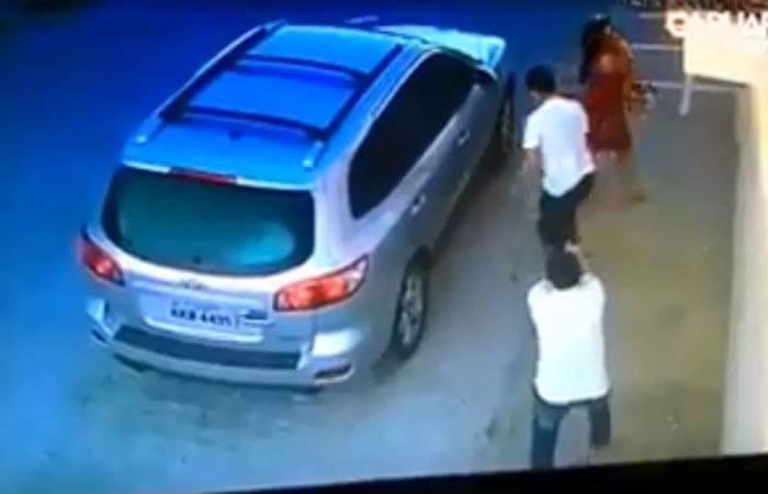 O crime foi filmado pelo circuito de segurança. Imagem: Câmeras de Segurança/Reprodução.