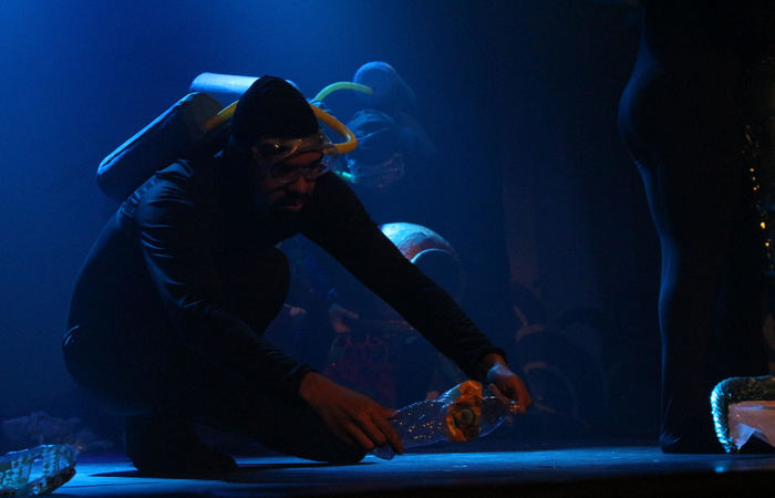 A peça conta com a direção do ator e artista plástico Altino Francisco. Foto: Divulgação
