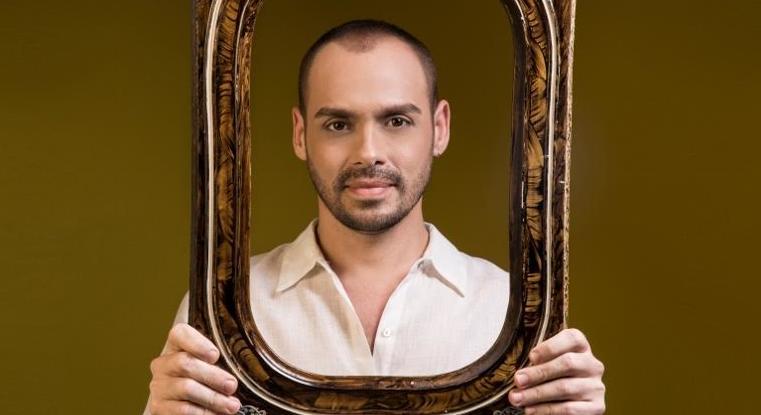Paulo Neto iniciou sua carreira cantando frevos em trios elétricos em Pernambuco. Foto: Divulgação