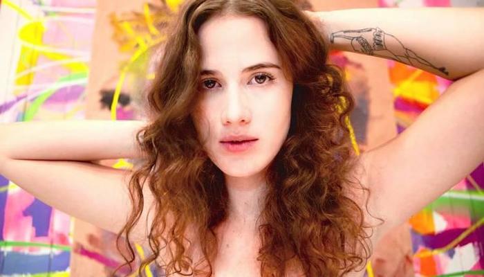 Ana Cañas é conhecida pelas músicas Pra você guardei o amor e 'Escândalo. Foto: Reprodução/Youtube