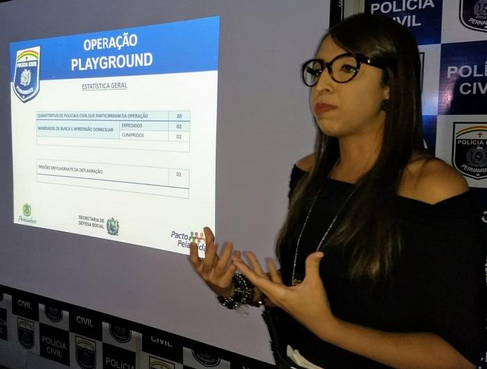 Delegada Bárbara explicou sobre as prisões nesta quinta, na chefia de Polícia Civil, no Recife. Foto: Paulo César-PCPE/Divulgação