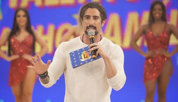 Marcos Mion assume a posição de apresentador na 10ª edição de A fazenda. Foto: Record TV/Reprodução