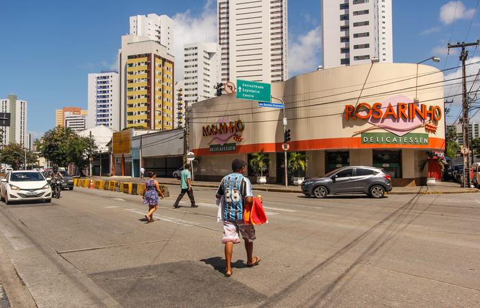 Via tem 8,6 quilômetros e corta sete bairros e margeia outros cinco. O tráfego médio é de 58 mil veículos por dia. Foto: Thalyta Tavares/Esp DP