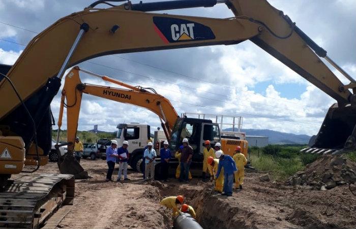 A adutora vai transportar água da Barragem de Serro Azul, situada em Palmares, na Zona da Mata Sul, para atender dez municípios do Agreste. Foto: Divulgação