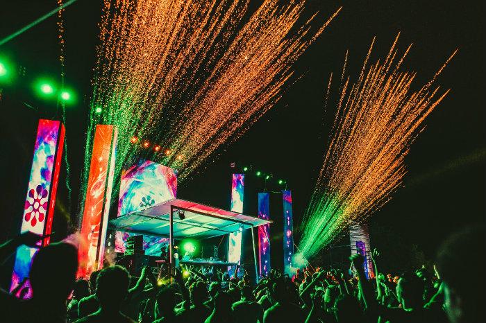 Festa terá dois palcos, queima de fogos e efeitos especiais. Foto: Clovis Gomis/Divulgação
