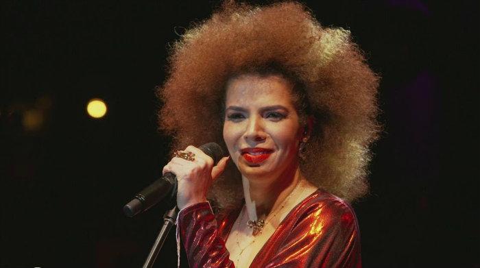 Cantora comemora 16 anos de carreira no palco com turnê Caixinha de música. Foto: Divulgação/Facebook